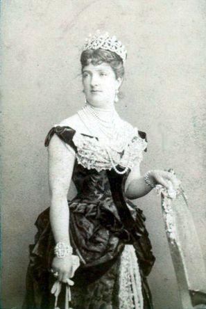 401px-Montabone_Luigi_18..-1877_-_Firenze_-_Margherita_di_Savoia_1851-1926